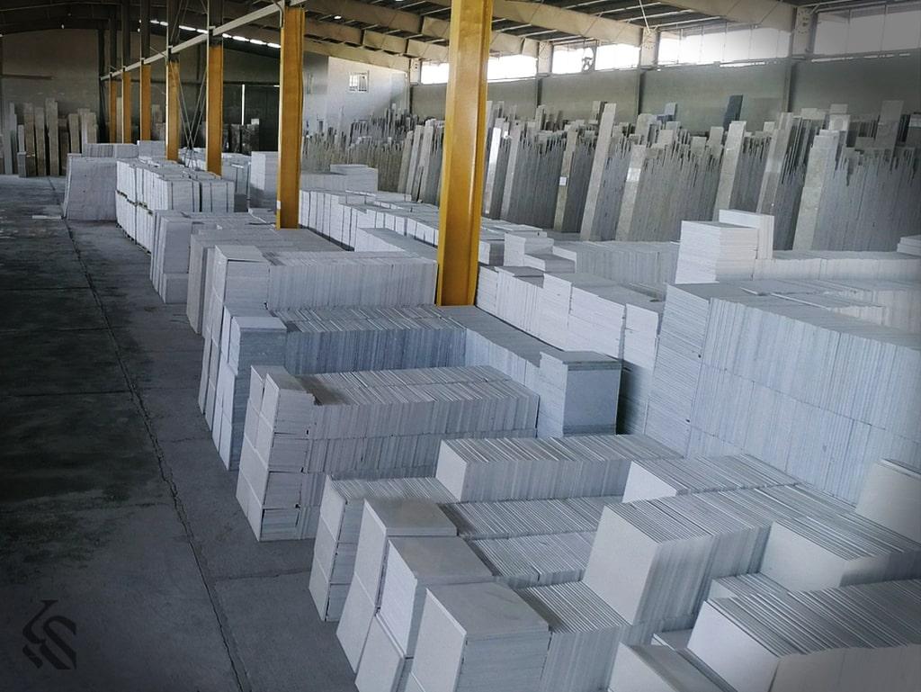 انبار سرپوشیده سنگ ساختمانی | مزایای نگهداری سنگ در انبارهای سرپوشیده